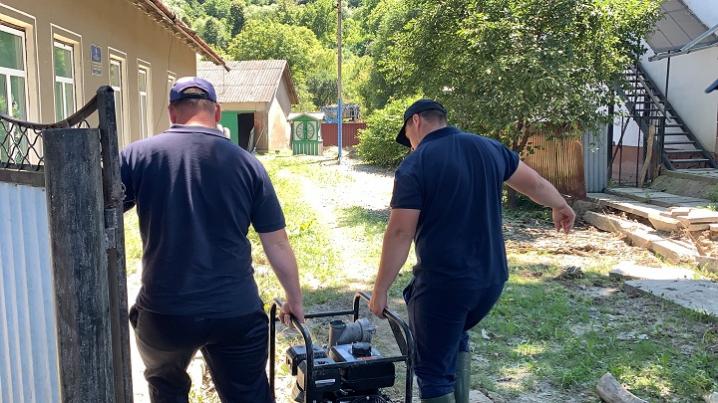 З підтоплених районів Буковини відкачали майже 17 тисяч куб. м води