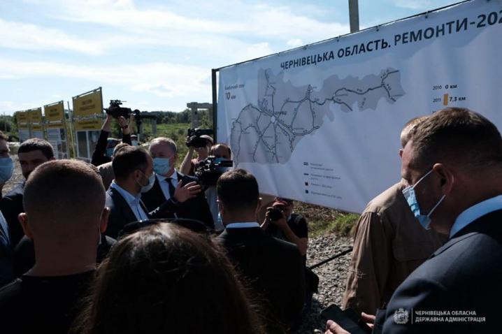 Президент України відвідав село Маршинці, яке постраждало від повені
