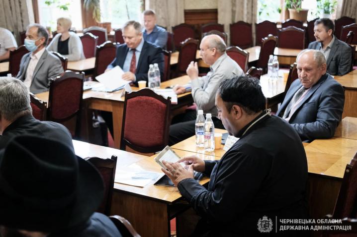 Почесною відзнакою «Вдячна Буковина» нагородили священнослужителів Буковини