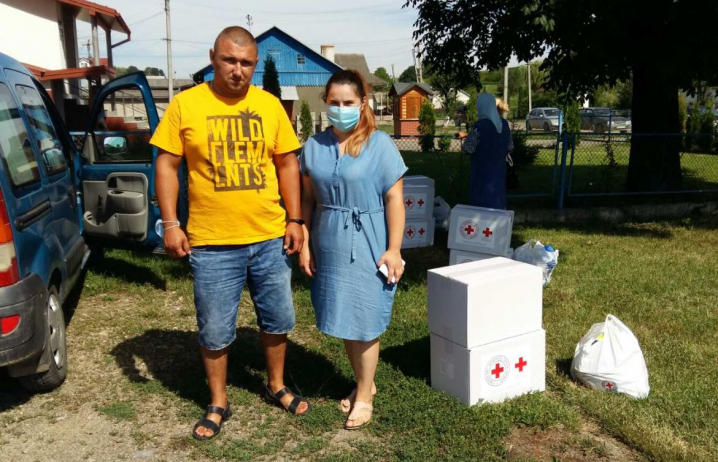 На Сторожинеччині мешканці, які постраждали від повені отримали благодійну допомогу
