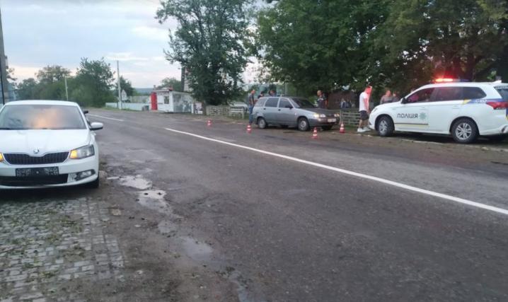 На Сторожинеччині зіткнулися два автомобілі