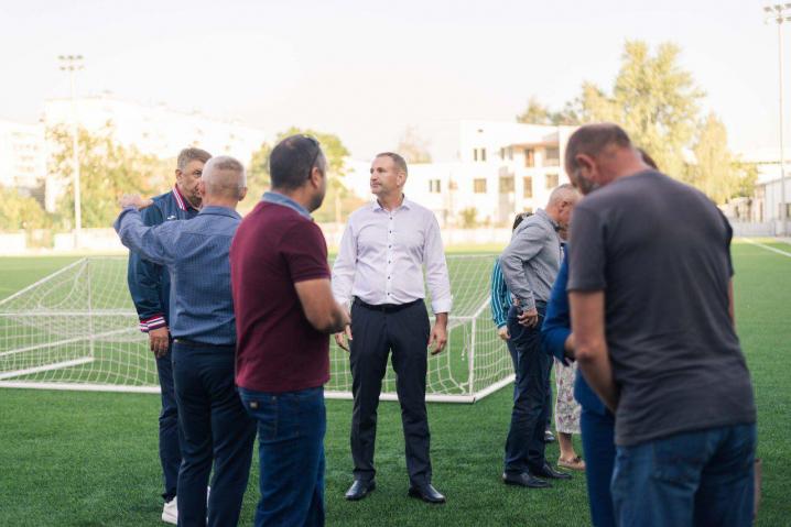 Віталій Михайлішин оглянув будівництво стадіону на Головній