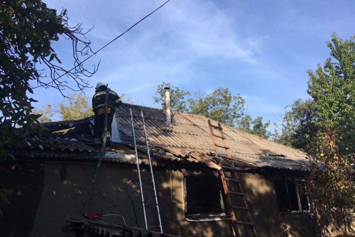 Запалив цигарку та ліг відпочити: на Кельменеччині у пожежі загинув власник будинку