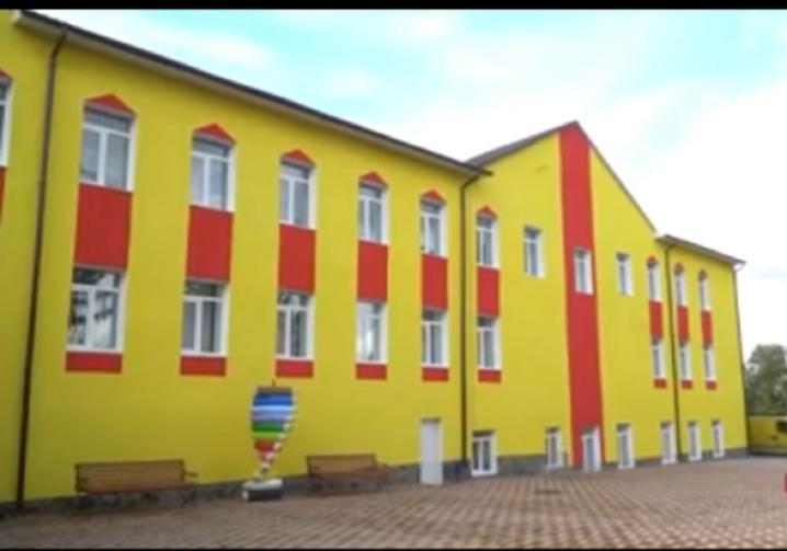 На Сокирянщині реконструюють дитячий садок та приймальне відділення районної лакрні