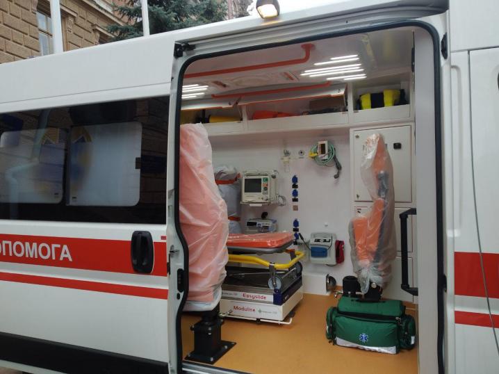 Центр екстреної медичної допомоги та медицини катастроф придбав 14 карет «швидкої»