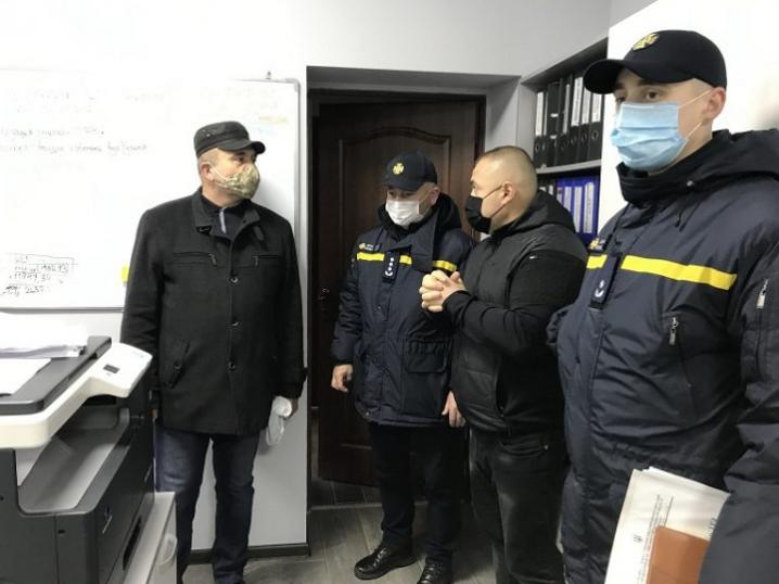 Чернівецькі рятувальники перевірили чи готовий МіськШЕП до роботи в зимовий період