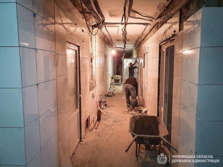 В Чернівецькій ОКЛ триває реконструкція приймального відділення