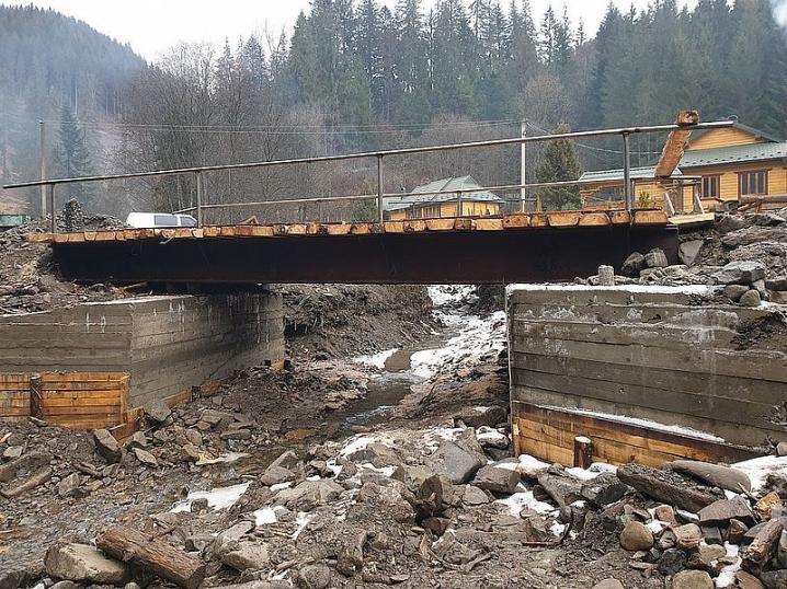 На Путильщині відновили 10 мостів, зруйнованих червневою повінню