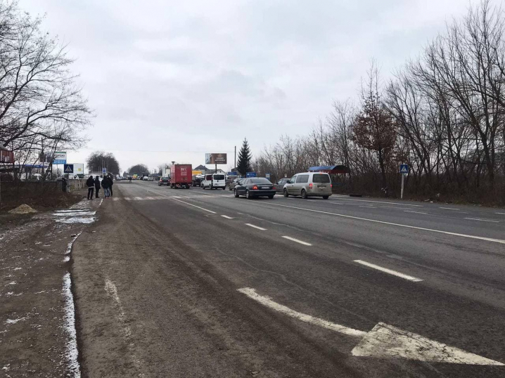 Перекривати дорогу будуть кожного дня: «тарифні» протести на Буковині тільки набирають обертів