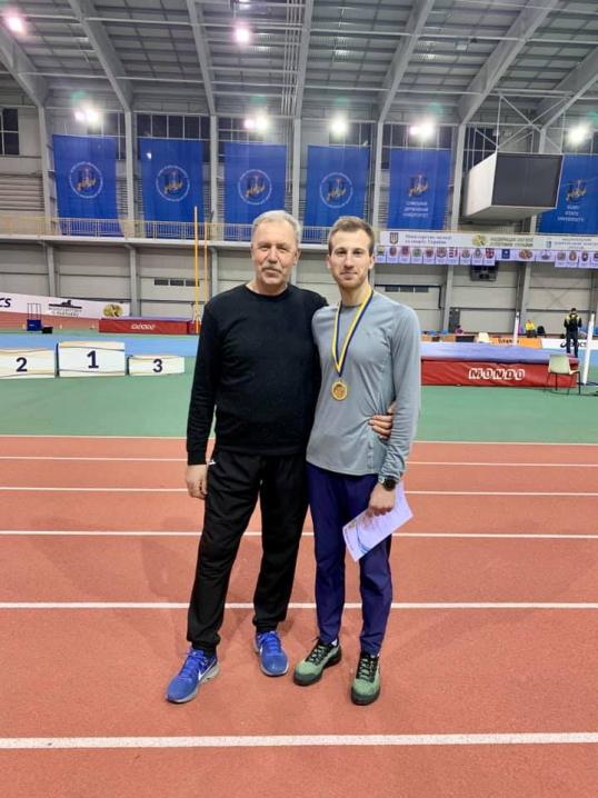 Олег Миронець переміг на чемпіонаті України з бігу на 800 метрів в приміщенні