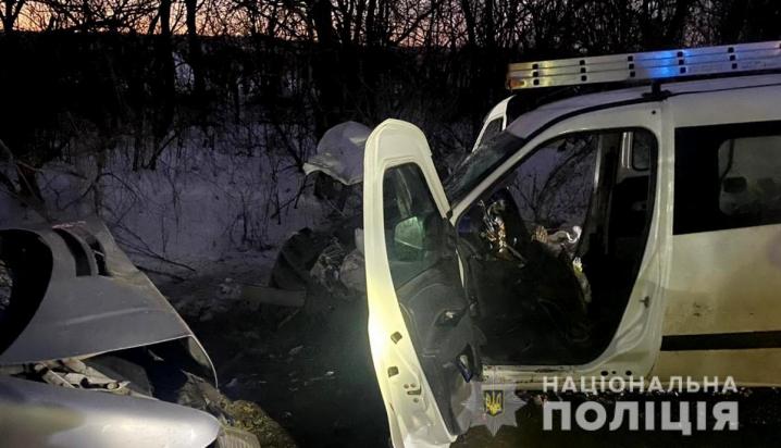 ДТП у селі Топорівці: водій «Vito» виїхав на зустрічну смугу і зіткнувся із «Fiat»