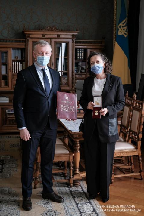 Викладачка з Буковини отримала почесну відзнаку Кабінету Міністрів України