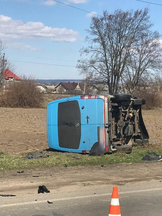 На Буковині в ДТП постраждали двоє людей