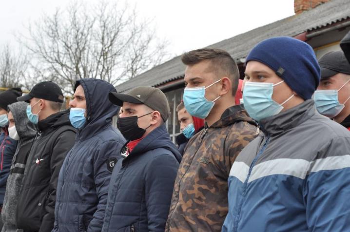 На Буковині розпочалася відправка призовників на строкову службу