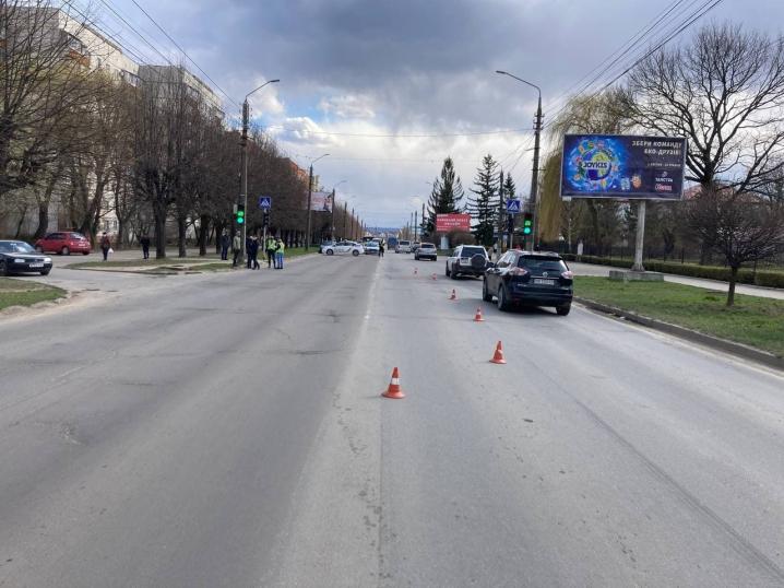 Одну з головних вулиць у Чернівцях перекрили через слідчий експеримент