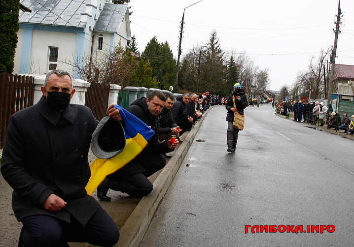 Як проводжали в останню путь Героя з Буковини Ярослава Карлійчука (ФОТО)