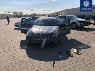 ДТП у Чернівцях: на ринку зіткнулись дві елітні автівки