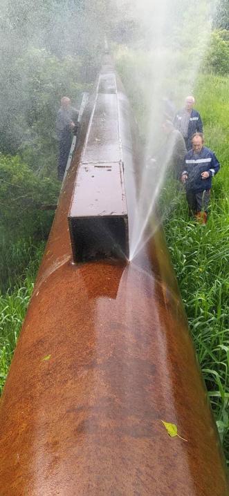 «Труба луснула, як грецький горіх»: через прорив на водогоні Чернівці можуть залишитися без води