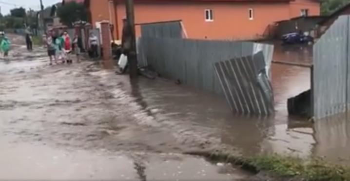 На Буковині підтоплено десяток сіл та розмито дороги (ВІДЕО)