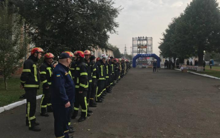 У Чернівцях стартували змагання «Найсильніший пожежний-рятувальник»